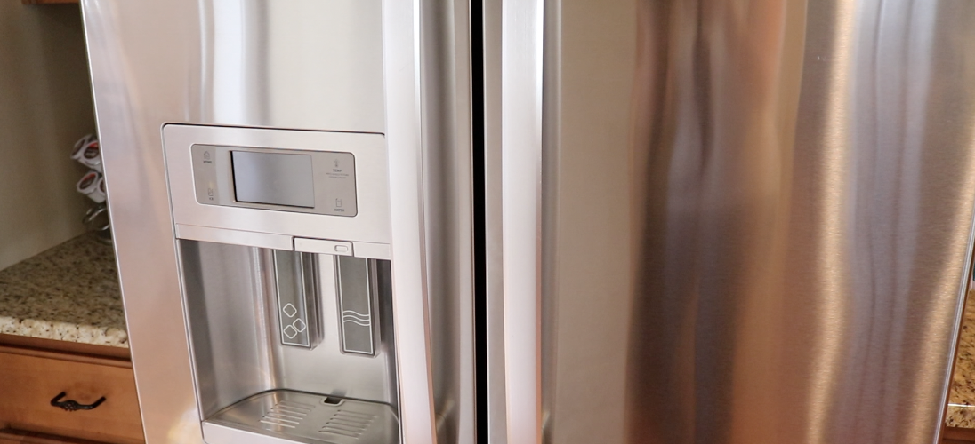 Deep clean your fridge! (Clean with me)